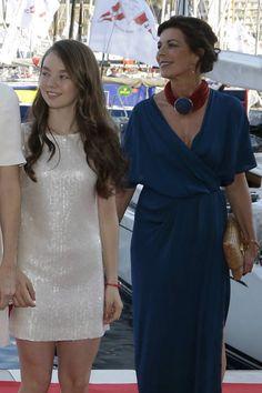 El vestido de Alexandra me gusta para mis Niñas.