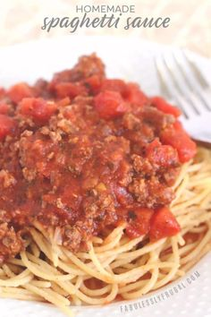 Mom's Famous Spaghetti Sauce (Skillet, Crock-pot, or Vegetarian) - Fabulessly Frugal - Seriously, it is so good! Way better than any store-bought or other homemade spaghetti sauce I've - Best Homemade Spaghetti Sauce, Best Spaghetti Recipe, Spaghetti Recipes, Spaghetti Seasoning Recipe, Spaghetti With Meat Sauce, Crock Pot Spaghetti, Slow Cooker Spaghetti Sauce, Frugal, Slow Cooker Recipes