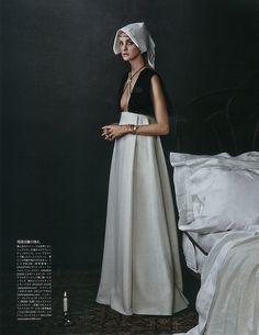 Caroline-Trentini-Vogue-Japan-October-2015-Cover-Editorial09