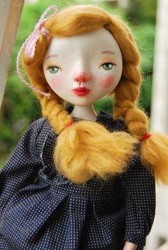 Vonrwalun Varisphuthimes: Cloth&Clay Dolls