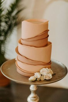 Pretty Cakes, Beautiful Cakes, Wedding Desserts, Wedding Cakes, Wedding Cake Designs, Dream Wedding, Our Wedding, Wedding Shoot, Wedding Blog