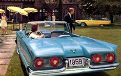 fins1959_Ford_Thunderbird_convertible