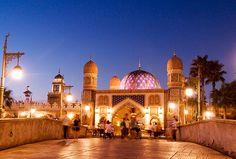Tokyo Disney Resort, Tokyo Disneyland, Disney Resorts, Disney Pixar, Taj Mahal, Park, Building, Travel, Viajes