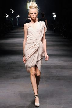Lanvin Spring 2010 Ready-to-Wear Fashion Show - Vlada Roslyakova