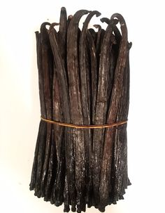 Tahitian Vanilla Beans - This variety of Vanilla Tahitensis is grown in Papua New Guinea. These beans have cherry, oak, and floral undertones. Flavor and aroma hold up very well in applications where heating of the vanilla is required. Vanilla Plant, Vanilla Orchid, Kosher Certification, Saffron Spice, Edible Gold Leaf, Ice Cream Ingredients, Homemade Vanilla Extract, Dried Mushrooms, Gourmet