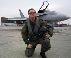 Canada's most elite fighter pilot poses in front of his CF-18 [1722  1411]