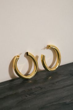 I choose these chunky gold hoops because Dee said she really wanted a pair