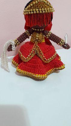 Orixá Iansâ Amigurumi no Elo7   Mimos da Vovó Mônica (C966FD) Yoruba Religion, Feminine Mystique, Warrior Queen, Orisha, Crochet Crafts, Afro, Captain Hat, Santa, Dolls