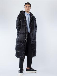 APLACE Puffy Hood Coat Black - Han Kjøbenhavn