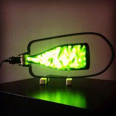 Con la botella que hemos brindado en noche buena,fabricamos una làmpara que iluminarà nuestras vidas. reciclarte canarias.wix.com/reciclartecanarias