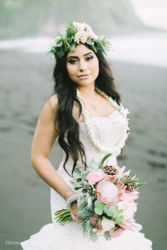 Waipio Valley Wedding, hawaii wedding bouquet, protea bouquet, vintage and lace, black sand beach wedding, www.vintageandlace.com