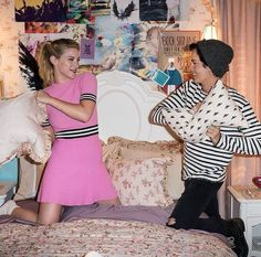Pin by sara lawson on riverdale bughead, lili reinhart, cole Riverdale Poster, Bughead Riverdale, Riverdale Funny, Riverdale Memes, Camila Mendes Riverdale, Films Netflix, Riverdale Betty And Jughead, Lili Reinhart And Cole Sprouse, Riverdale Cole Sprouse