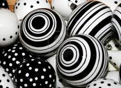 love the look of a black and white christmas.