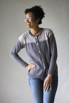 It's Free Pattern Friday! Today, the Bellissima Cardi in Universal Yarn Bella Cash. Such a beauty. The Bellissima Cardi is a classic lightweight cardi with classic construction. Knit it from the bottom up in pieces, then seam. Bella Cash superwash merino/nylon/cashmere blend creates a soft, lightweight material that moves with you and looks flattering.…