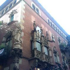 Barcelona Spain, Louvre, Building, Travel, Viajes, Buildings, Traveling, Trips, Tourism