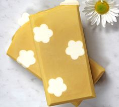 Daisy Cold Process Soap Tutorial | Homemade Bath Products | Bloglovin'