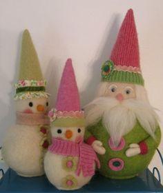 I love to needle felt. This lady has made some beautiful needle felt dolls.