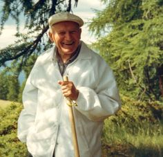 """""""A glad heart lights up the face."""" Proverbs // Pope Saint John Paul II vacationing and hiking in the Alps Catholic Art, Catholic Saints, Roman Catholic, Papa Juan Pablo Ii, Pope John Paul Ii, Paul 2, Religion Catolica, Pope Benedict, Religious Books"""