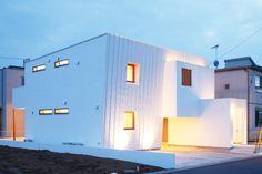 家のデザイン:Trapezium Houseをご紹介。こちらでお気に入りの家デザインを見つけて、自分だけの素敵な家を完成させましょう。