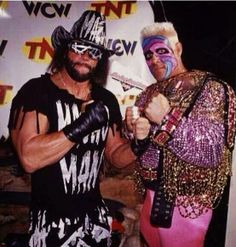 The stinger poses with randy savage. #rebuildingmylife