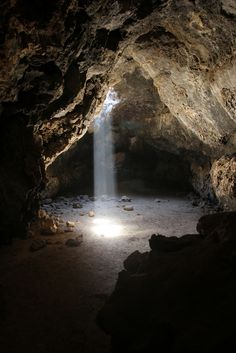 Mojave National Preserve: Lava Tube
