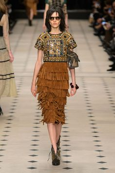 Burberry - LFW - Otoño/Invierno 2015-2016 - www.so-sophisticated.com