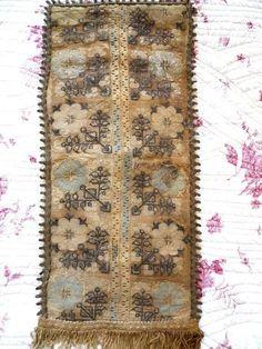 Antique ottoman embroidery linen fabric 18 th-century floral decor. Ручна  ВишивкаАнтикваріат 634f85d98b7e0