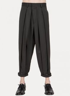 Nicolas Andreas Taralis - PT1060 4040 Hakama Pleat Trousers https://cruvoir.com/nicolas-andreas-taralis/4066-pt1060-4040-hakama-pleat-trousers
