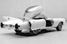 1959 Cadillac Cyclone: This rocket-styled roadster included a crash-avoidance system that used radar sensors mounted in the car's nosecones.