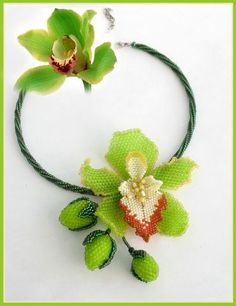 Free pattern - Bead artwork by Julia Turova. Cymbidium Orchid Necklace