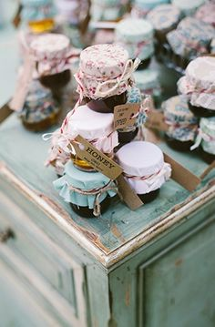 New vintage bridal shower ideas diy party favors 23 ideas Food Wedding Favors, Bridal Shower Favors, Wedding Gifts, Trendy Wedding, Handmade Wedding, Party Favors, Wedding Stuff, Shabby Chic Flowers, Do It Yourself Wedding