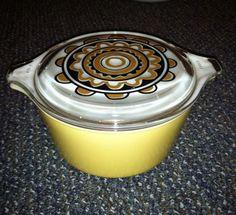 Vintage PYREX Sol Flower Casserole Dish 473 Promotional 1 Qt