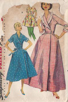 Vintage 1950's Misses  Brunchcoat / Housecoat /Tunic  Pattern, Three Lengths. Simplicity 1354