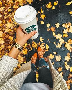 41 Super Ideas For Fashion Wallpaper Autumn Planting Pumpkins, Autumn Cozy, Autumn Coffee, Autumn Fall, Autumn Aesthetic, Aesthetic Girl, Autumn Photography, Coffee Photography, Photography Ideas