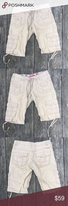 """Union Bay cargo shorts Long cargo shorts with drawstring legs to shorten as needed • Good Condition • 100% Cotton • waist 15"""" length 26"""" *approximate measurements laid flat* UNIONBAY Shorts Cargos"""