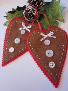 Ginger Heart Ornaments.....love the buttons!