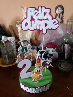 Adorno de torta granja de zennon Toy Story, Gabriel, Leo, Birthday Cake, Desserts, Ideas, Diy, Farm House Tables, Lion