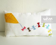 Sukan Designer Pillows Kite Pillow Cover Kite throw por sukanart