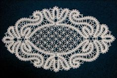 Кружево салфетки - Аня Журавлева - Picasa-Webalben Crochet Doily Patterns, Lace Patterns, Crochet Doilies, Crochet Lace, Needle Lace, Bobbin Lace, Bruges, Romanian Lace, Crochet Curtains