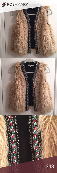 Zara Faux Fur Vest Zara Faux Fur Vest. Never ever ever worn, absolutely mint condition. Very flattering Zara Jackets & Coats Vests