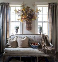 Vintage Decor Living Room Cozy French Country Living Room Decor Ideas 27 - Living rooms are essential to every home and deserve all the attention, budgets and facilities you can think of. French Country Kitchens, French Country Bedrooms, French Country Living Room, Country French, Country Bathrooms, Rustic French, Modern Country, Country Chic, French Style