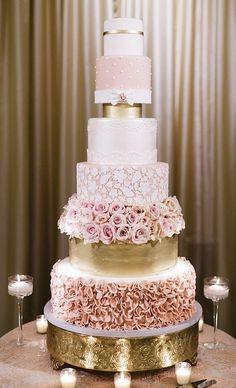 Wedding cake idea; Featured Photographer: Jana Williams Photography