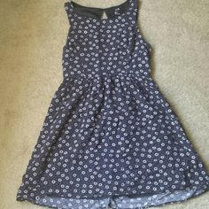 3for20!! Sweet as a Daisy  Dress Your freshest look for spring and summer, this Forever 21 daisy dress is lined and well constructed for remarkable style that can go along with you anywhere! Forever 21 Dresses