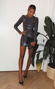 balada vestido preto \ balada vestido - balada vestido curto - balada vestido branco - balada vestido preto - balada vestido vermelho - balada vestido longo - balada vestido e tenis - vestidos balada Nye Outfits, New Years Eve Outfits, Night Outfits, Dress Outfits, Fashion Dresses, Stylish Outfits, Elegant Dresses, Cute Dresses, Beautiful Dresses