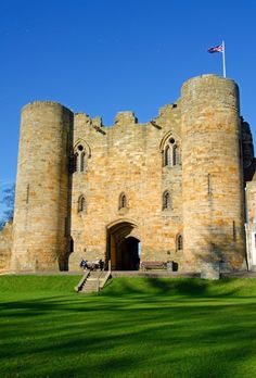 Tonbridge Castle Gatehouse : 1142067 - PicturesOfEngland.com  Home of de Clare family