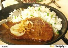 Rostenka bol najslavnostnejsi obed mojej starej mamy, ked bola moja mamicka este… Rostenka was my grandmother's most solemn dinner when … Best Liver Detox, Liver Detox Cleanse, Liver And Onions, Eastern European Recipes, Modern Food, Onion Recipes, Stew, Curry, Pork