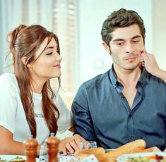 Hande Ercel And Burak Deniz pic Romantic Couples, Cute Couples, Murat And Hayat Pics, Obsessed Girlfriend, Cute Love Stories, Hande Ercel, Turkish Beauty, Turkish Fashion, Girly Pictures