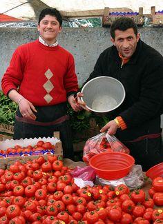 Selling Tomatoes - Market in Kadıköy, Istanbul, Turkey by svenwerk, via Flickr