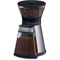 With a large-capacity hopper and airtight lid, you'll spend less time filling and more time enjoying fresh coffee.