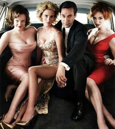 Rolling Stone Cover Fall 2010 Elisabeth Moss, January Jones, Jon Hamm, & Christina Hendricks of Mad Men (PS Botched) Elisabeth Moss, January Jones, Christina Hendricks, Mad Men Party, Jon Hamm, Mad Men Mode, Top Tv, Beautiful People, Beautiful Women